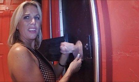 Vollbusige Blondine Devon Leigh fickt Fu von erotikfilme in deutscher sprache außen
