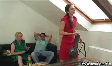 Schönes Mädchen mit Tätowierungen macht deutsche erotikfilme kostenlos ansehen alles