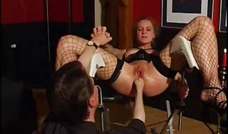 Nicole Bexley lernt eine erotische filme in deutscher sprache Lektion