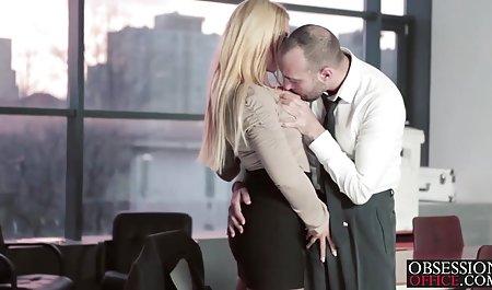 Schüchterne junge rothaarige Alice in deutsche erotikfilme online der Öffentlichkeit blinkt