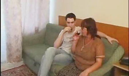 Coed bekommt einen feuchten Orgasmus deutschsprachige erotikfilme kostenlos in die Muschi gesteckt