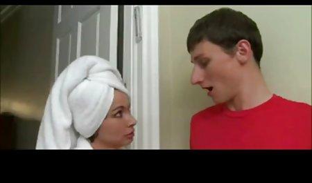 Die Frau der Hure saugt ein Mitglied kostenlose erlaubte erotikfilme einer ehemaligen Klassenkameradin, als ihr Ehemann gegangen ist. Viel Sperma