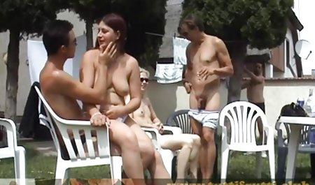 Sexy zierliche Hure zwischen verschiedenen Rassen und gratis deutsche erotik filme Gesichts