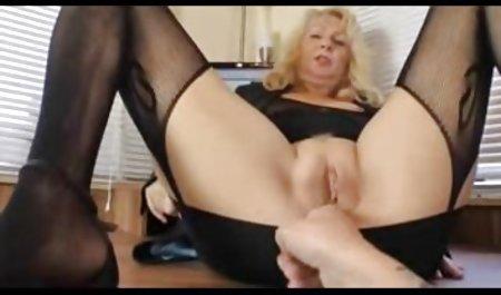 Sunny Leone xxx heißes Sex deutsche erotikfilme kostenlos anschauen Video dicke Titten Massageöl vor der Webcam