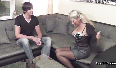 Bevor er zur Party geht, fickt er deutschsprachige erotik filme seine Stiefmutter schnell wieder durch