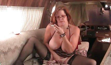 Bella nimmt kostenlos erotische filme anschauen eine Ladung Sperma Fett in ihre Muschi