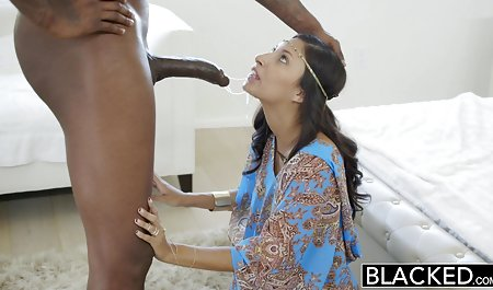 Pigtailed Asian Schoolgirl bekommt ihre rasierte Muschi in alte deutsche erotikfilme genagelt